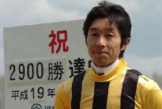 2分半で1250万円を稼ぐ武豊が生涯獲得賞金700億円を突破!