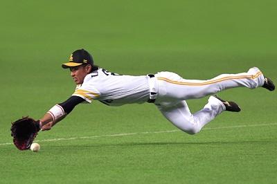 ホークスの今宮選手がプロ野球史上最高のファインプレイを魅せたぞ!