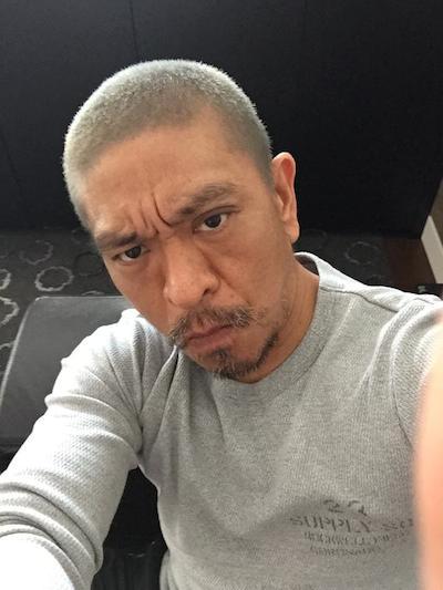 ダウンタウン松ちゃんが銀髪にイメージチェ〜ンジ!