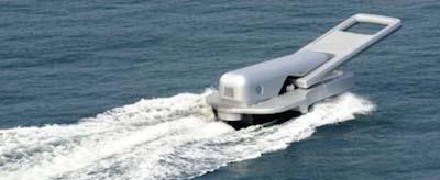 「ファスナーの船」の意味は地球を切り開くというイメージです!