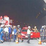 中央道のトンネル事故