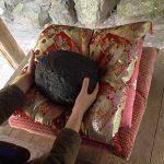今宮神社の願かけの石「阿呆賢さん」