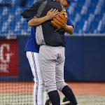 イチローとムネリンが久々の再会で熱い抱擁!