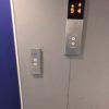 一軒家の人はエレベーターの障害者用ボタンの意味がわかってない人が多い。